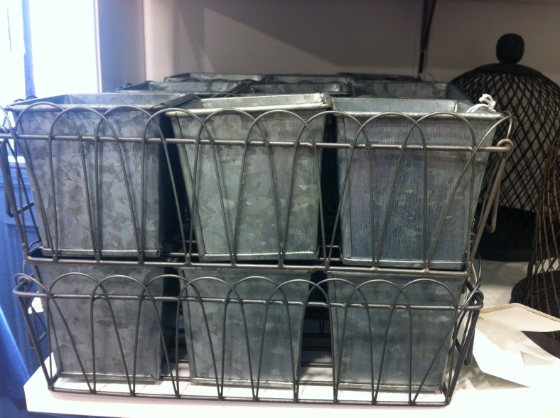 Lot de 3 pots en zinc dans corbeille grillagée, H&M 12€99